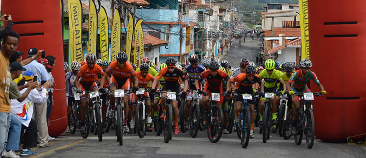 Ruddy Rodríguez corona la Primera Etapa de la XXV Vuelta a La Azulita