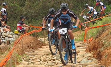 Ciclomontañistas del GW Shimano quieren más puntos UCI.