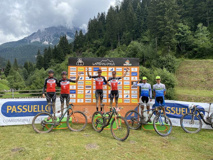 La dupla del colombiano Leonardo Páez finalizó 3ª en la Pedalonga Bike